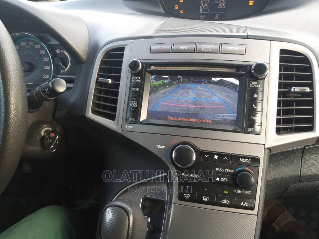 Archive: Toyota Venza 2013 XLE AWD Black