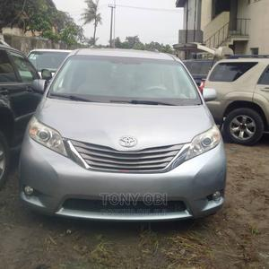 Toyota Sienna 2013 XLE FWD 8-Passenger Blue | Cars for sale in Lagos State, Amuwo-Odofin