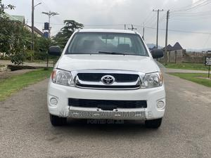 Toyota Hilux 2007 2.0 VVT-i White | Cars for sale in Abuja (FCT) State, Gwarinpa