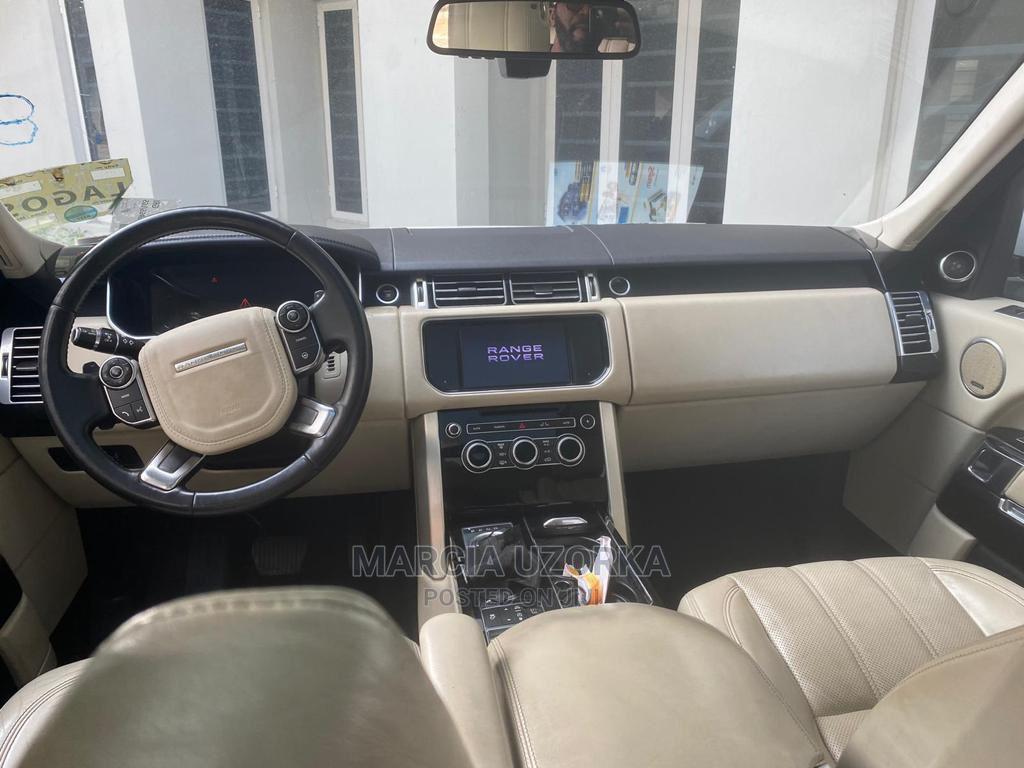 Archive: Land Rover Range Rover Vogue 2013 White
