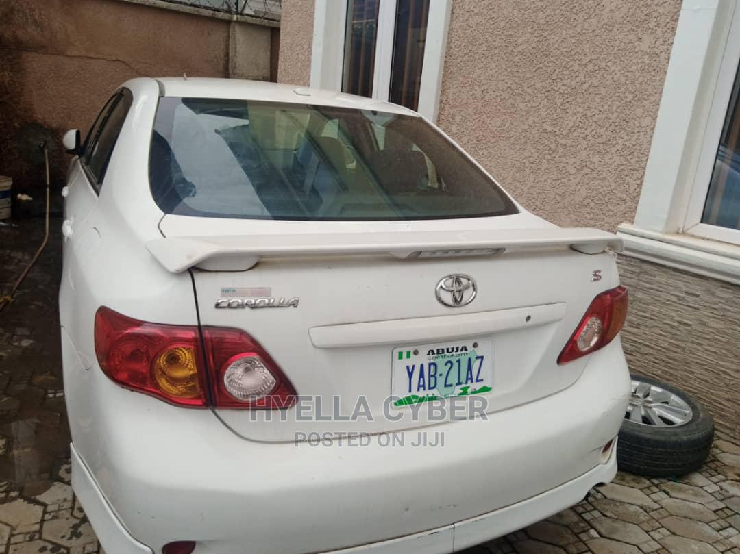 Archive: Toyota Corolla 2010 White