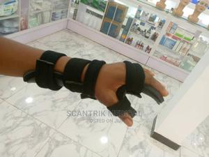 Medical Resting Hand Splint For Hand   Medical Supplies & Equipment for sale in Rivers State, Ikwerre