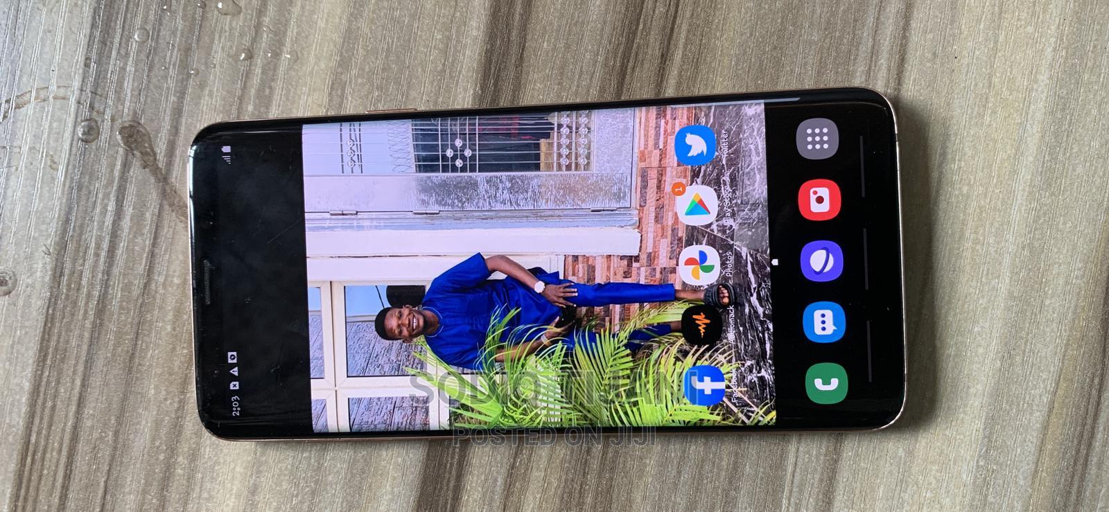 Archive: Samsung Galaxy S9 Plus 64 GB Gold