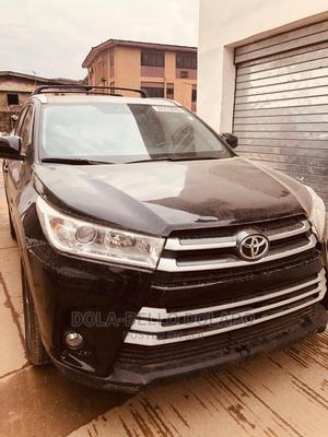 Toyota Highlander 2018 LE 4x4 V6 (3.5L 6cyl 8A) Black | Cars for sale in Lagos State, Ajah