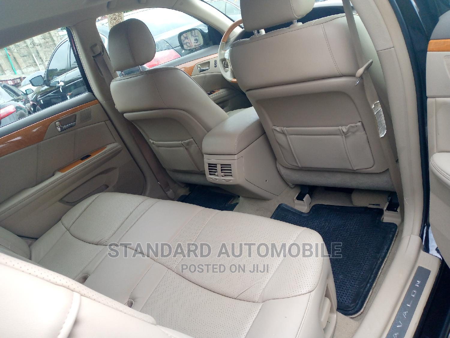 Toyota Avalon 2006 Limited Black | Cars for sale in Apapa, Lagos State, Nigeria