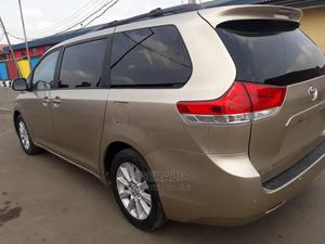 Toyota Sienna 2011 XLE 7 Passenger Gold   Cars for sale in Lagos State, Ikeja