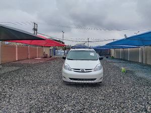 Toyota Sienna 2009 XLE Limited AWD White   Cars for sale in Lagos State, Amuwo-Odofin