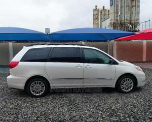 Toyota Sienna 2009 XLE Limited AWD White | Cars for sale in Lagos State, Amuwo-Odofin