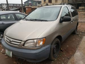 Toyota Sienna 2002 LE Gold | Cars for sale in Lagos State, Ikorodu