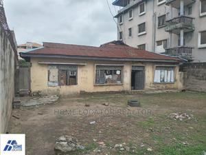 10bdrm Bungalow in Surulere for Sale   Houses & Apartments For Sale for sale in Lagos State, Surulere
