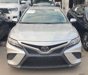 Toyota Camry 2018 SE FWD (2.5L 4cyl 8AM) Silver   Cars for sale in Lagos State, Ikoyi