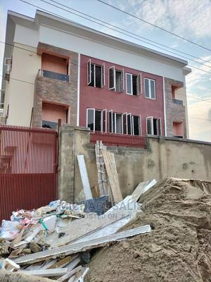 2bdrm Apartment in Obanikoro Estate for Rent | Houses & Apartments For Rent for sale in Shomolu, Obanikoro