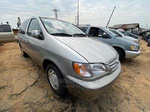 Toyota Sienna 2003 XLE Silver   Cars for sale in Lagos State, Apapa