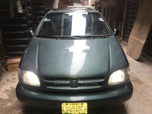 Toyota Sienna 2002 XLE Green   Cars for sale in Lagos State, Oshodi