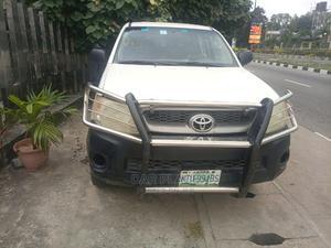 Toyota Hilux 2009 2.7 VVT-i 4X4 SRX White | Cars for sale in Lagos State, Lekki