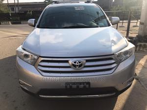 Toyota Highlander 2013 3.5L 4WD Silver | Cars for sale in Lagos State, Ikoyi