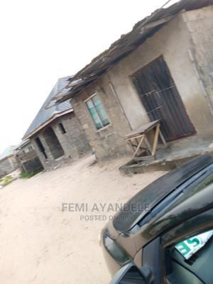Furnished 2bdrm Bungalow in Ajebo Estate, Ikorodu for Sale | Houses & Apartments For Sale for sale in Lagos State, Ikorodu