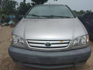 Toyota Sienna 2002 LE Silver | Cars for sale in Lagos State, Amuwo-Odofin