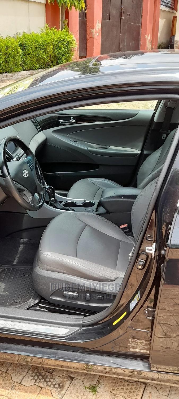 Archive: Hyundai Sonata 2011 Black
