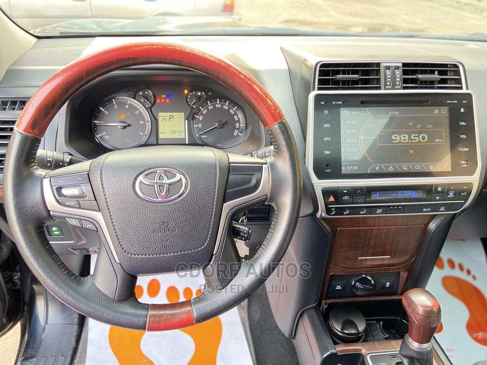 Archive: Toyota Land Cruiser Prado 2018 4.0 Black