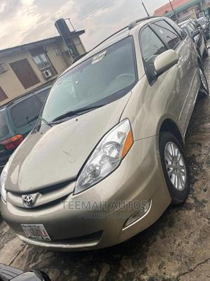 Toyota Sienna 2007 XLE Limited 4WD Gold | Cars for sale in Lagos State, Ikeja