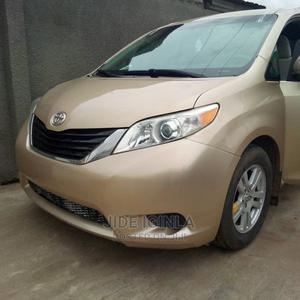 Toyota Sienna 2011 LE 7 Passenger Gold | Cars for sale in Lagos State, Alimosho