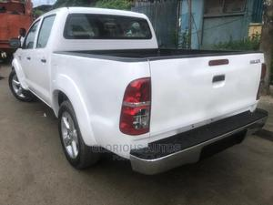 Toyota Hilux 2007 2.7 VVT-i 4x4 SRX White | Cars for sale in Lagos State, Isolo