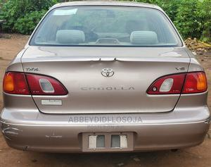 Toyota Corolla 1998 Sedan Automatic Silver | Cars for sale in Lagos State, Alimosho