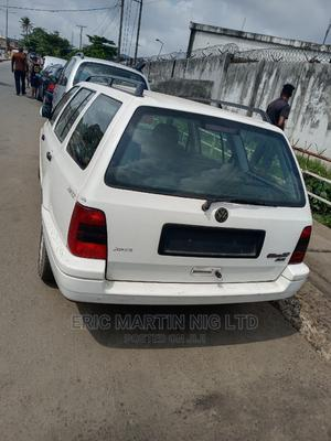 Volkswagen Golf 1999 2.0 White   Cars for sale in Lagos State, Surulere