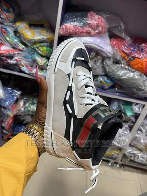 Nice Unisex Sneakers | Shoes for sale in Lagos State, Yaba