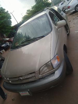Toyota Sienna 2000 LE & 1 Hatch Gold | Cars for sale in Abuja (FCT) State, Gwarinpa