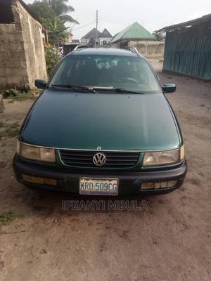 Volkswagen Passat 1995 2.9 Blue | Cars for sale in Lagos State, Ojo