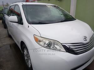 Toyota Sienna 2011 XLE 7 Passenger Mobility White | Cars for sale in Lagos State, Ogba