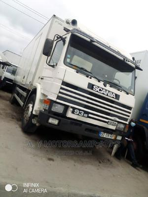 Scania 10 Both 6 Tire 30 Feet Spring in Front and Back | Trucks & Trailers for sale in Lagos State, Apapa