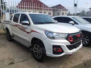 Toyota Hilux 2015 SR5 4x4 White | Trucks & Trailers for sale in Lagos State, Amuwo-Odofin