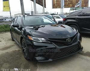 Toyota Camry 2018 SE FWD (2.5L 4cyl 8AM) Black | Cars for sale in Lagos State, Amuwo-Odofin