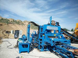 Hydraulic Brick-making Machine Can Fully Automatic For Sale | Manufacturing Equipment for sale in Lagos State, Ifako-Ijaiye