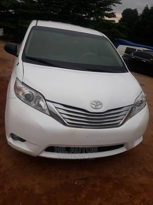 Toyota Sienna 2013 White   Cars for sale in Abuja (FCT) State, Gudu