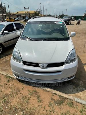 Toyota Sienna 2005 White | Cars for sale in Lagos State, Ogba