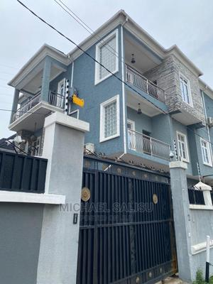 5bdrm Maisonette in Chevyview Estate, Lekki for Sale | Houses & Apartments For Sale for sale in Lagos State, Lekki
