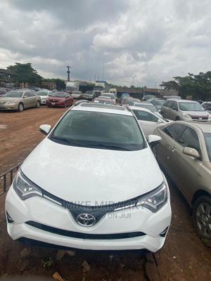 Toyota RAV4 2017 XLE AWD (2.5L 4cyl 6A) White | Cars for sale in Edo State, Benin City