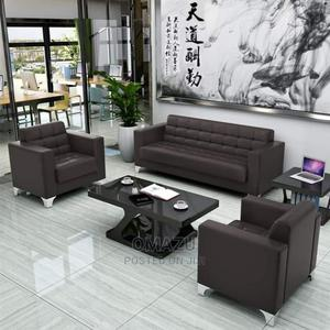 Six Seater Latest Sofa With Centre Table | Furniture for sale in Lagos State, Lekki