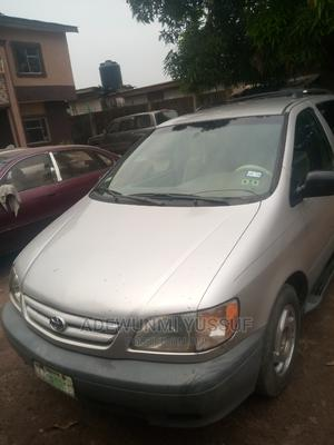 Toyota Sienna 2002 LE Silver | Cars for sale in Lagos State, Ikotun/Igando