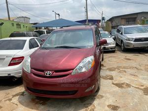 Toyota Sienna 2009 XLE AWD Red | Cars for sale in Lagos State, Agege