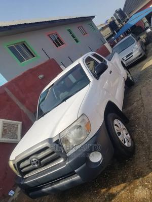 Toyota Tacoma 2004 Cab 4WD White | Cars for sale in Lagos State, Ikotun/Igando