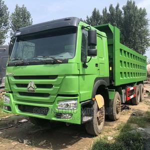 Foreign Used Truck 50ton Sinotruck Howotipper 8x4 Dump Truck | Trucks & Trailers for sale in Lagos State, Ifako-Ijaiye