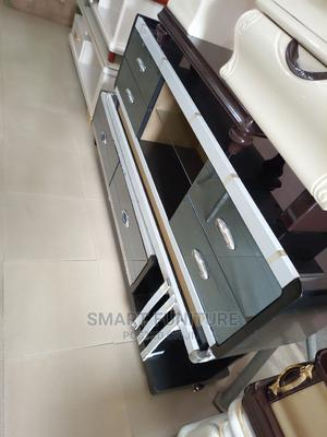 Executive Quality Glass Top Tv Stand | Furniture for sale in Lagos State, Amuwo-Odofin