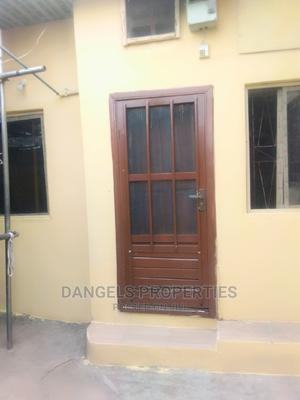 Mini Flat in Fagbenro Estate, Randle Avenue for Rent | Houses & Apartments For Rent for sale in Surulere, Randle Avenue