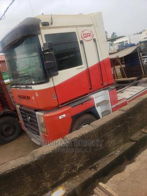 Very Neat Trailer Head Renault Magnums | Trucks & Trailers for sale in Lagos State, Abule Egba