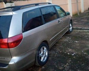 Toyota Sienna 2006 LE AWD Gold | Cars for sale in Abuja (FCT) State, Dutse-Alhaji